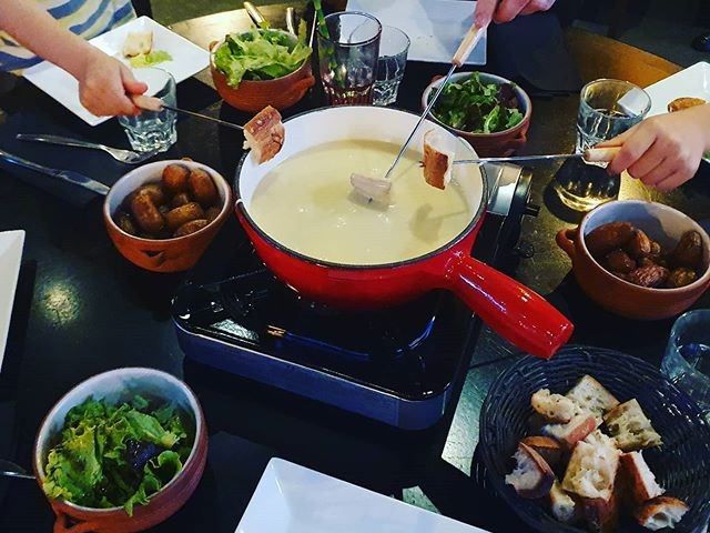 L'Authentic Fondue au fromage