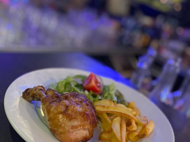 L'Authentic Plat du jour du 13.10 : Cuisse de poulet rôtie et frites